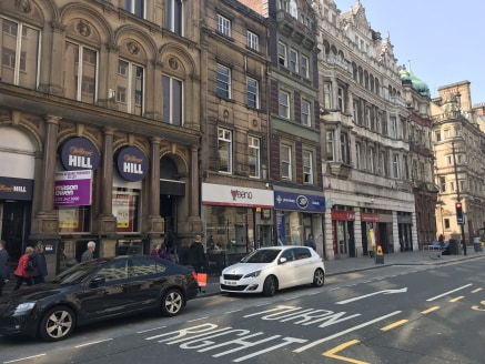 Retail unit to let comprising 1,756 sq ft positioned on Castle Street, in the Heart of Liverpool's business district.  Planning permission has been granted for a change of use to a licensed café (A3 use). Full details are available on Liverpool City...