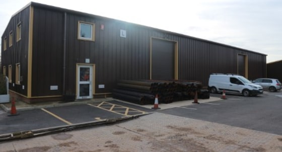 Unit L is an industrial warehouse with dual roller shutter loading doors located at Lambs Farm Business Park in Swallowfield just off the M4 motorway (Junction 11). The park benefits from its semi-rural location which provides an attractive environme...
