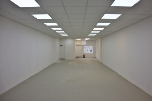 Self-Contained Retail Units  Total Size 84.18 sq m (906 sq ft)