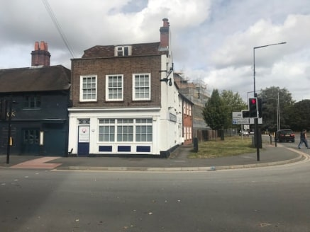 The premises are prominently located on the corner Bridge Street and Forlease Road directly opposite Waitrose supermarket and within a few minutes walk of Maidenhead High Street and all of the town's facilities. In addition the property benefits from...