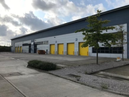 Buckshaw Link is a highly prestigious development set on 11 acres adjacent to retail, leisure, industrial and residential areas in the centre of the village. The development comprises 20 modern warehouse/industrial units built to the highest specific...