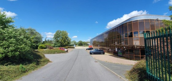TO LET - MODERN WAREHOUSE/PRODUCTION FACILITY - PETERLEE  Established Commercial Location  Within Close Proximity of the A19  Extensive Yard and Parking  Clear Working Height of 8 Metres  To Undergo Extensive Refurbishment  LOCATION  The premises are...