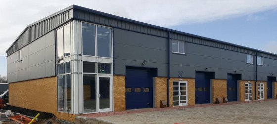 Prominent Glazed Return Warehouse / Industrial To Let   Total GIA 184.41 sq m (1,985 sq ft)