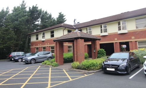 Ground Floor Office Suite with 10 Car Parking Spaces - Total NIA 2,440 ft2 (226.68 m2)...