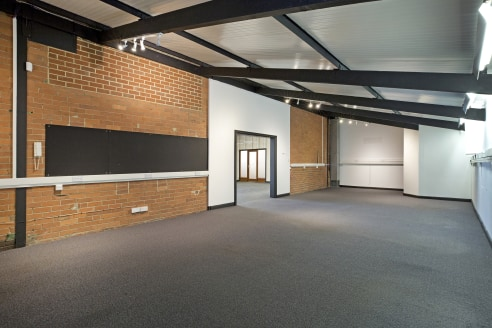 102 Kirkstall Road offers a mix of industrial and offices facilities. The available industrial / warehouse space comprises the following;   G3 - A single storey warehouse / studio space with the following specification   - Roller shutter door access...