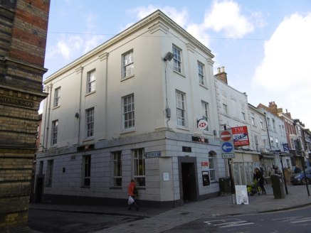 The premIses comprIse the second floor offIces and roof storage of a Grade II LIsted property occupIed on the ground and fIrst floor by HSBC. Separate access from LIstley Street provIdes access to a receptIon lobby and four offIce rooms wIth roof spa...