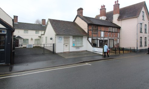 The property comprises a single storey property, currently<br><br>arranged to provide office accommodation and located in the<br><br>sought after town centre of Church Stretton.<br><br>The property is of traditional construction and provides a Total<...