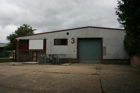 Industrial/warehouse unit on established industrial estate