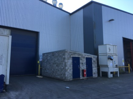 A split of a building constructed approximately 12 years ago, this modern, high bay, built warehouse benefits from 7m (29 ft 6) eaves height and a share of a secured yard with two level access rear loading doors.   The ancillary offices are well pres...