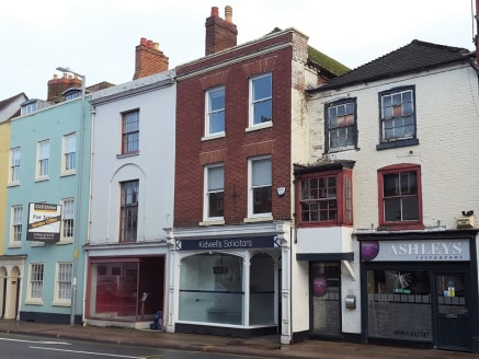 A 1,044 sq ft three storey property ideally suited for A2 Retail/Office use. The property has a front retail area and offices/meeting rooms on the ground and upper levels.