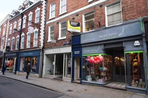 Prominently Situated Town Centre Office\nClose to Public and On Street Car Parking\nLocated within Characterful Period Building\nSuite 5 - 33.64 sq m (362 sq ft)\nSuites 9 & 10 - 43....