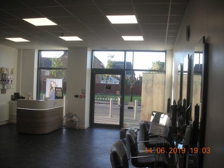 Established Hairdressers Warwickshire Shopping Park, close M&S, Greggs and Asda. approx 700 sq ft of well presented salon, easy parking. Offers around £ 39,950 + VAT as a going concern....