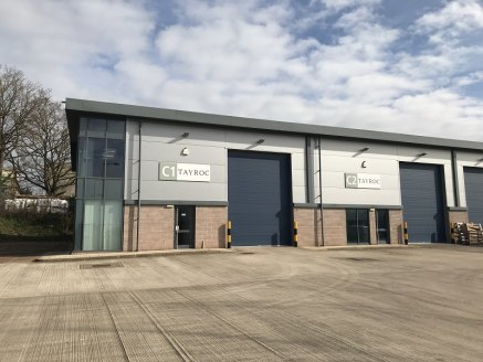 High quality high bay industrial/warehouse units located on Sapphire Court Bromsgrove Enterprise Park. Secure gated site with CCTV. Three miles to the M5 and M42 motorways.