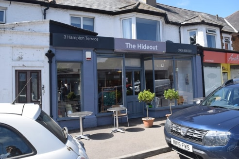 Retail/Café Premises in busy local parade