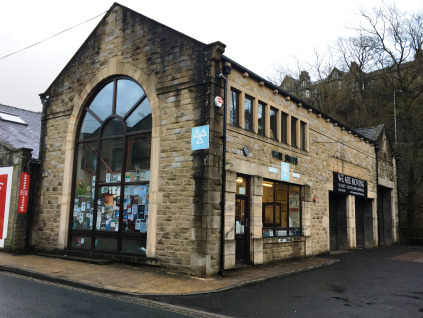 The premise briefly comprises a prominent industrial warehouse with retail trade counter fronting on to Valley Road in Hebden Bridge Town Centre.  The unit benefits from 3 steel roller shutter doors providing easy drive in access, fluorescent strip l...