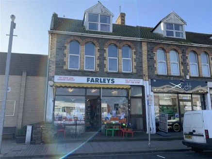 A mixed use investment comprising an extended ground floor shop of over 1,000sqft and a large self-contained 3 bedroom maisonette above.  The property is situated in a prominent position on the Staple Hill High Street and is currently let producing 1...