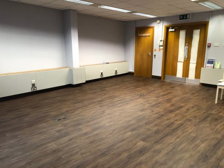 Newly Refurbished City Centre Office Suite.   Third floor front 44.13 sq m (475 sq ft)   *** 100% rate relief (STS) *** TO LET