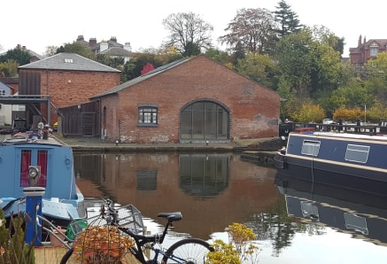 A 2,796 sq ft single storey property of traditional brick construction. Providing car parking spaces located within Diglis Canal basin approximately half a mile from Worcester City Centre.