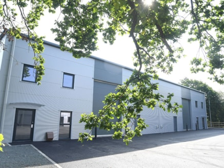 Crescent Trade Park Redditch provides new industrial units to let Redditch with the possibility of being available to purchase. The prominent entrance to the Park, which gives access to Units A & B, has road frontage onto Moons Moat Drive....