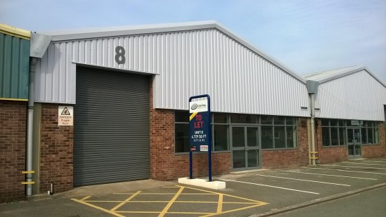 A refurbished trade counter/industrial unit.  Occupiers include Plumb Center and Bathstore.com.  4,729 sq ft  Rent - On application