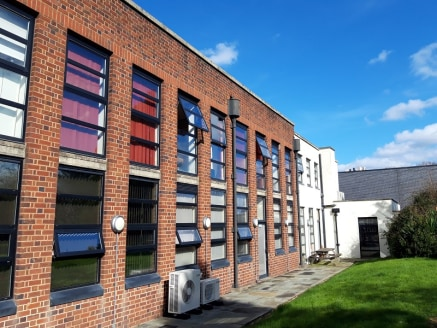 A modern 696 sq ft first floor office suite situated in the main period building of the popular Greenbox office development. Good quality open plan accommodation with a separate meeting room and onsite allocated car parking.