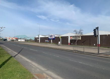6,173 sqft (573.5 sqm). Established Trade Location. Fronting A184 - Major Arterial Road. Adjacent to Howdens & Screwfix. Forecourt loading and parking.