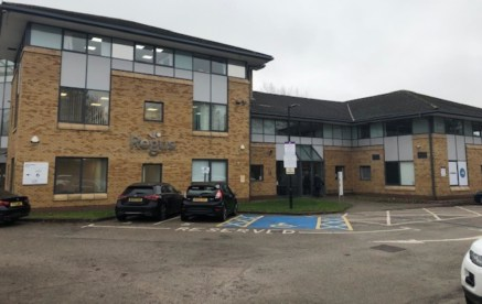 The serviced offices provide extremely high quality and flexible work space for a wide variety of businesses. Regus can accommodate requirements from one desk up to 2,500 sq.ft with both co working and private off environments available immediately.....