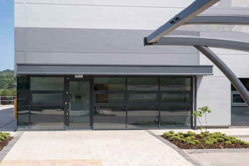 Eighth Avenue is situated towards the south of Team Valley and connects Dukesway with Kingsway, the main arterial dual carriageway running the length of the business park and providing access at both ends to the A1.   The site at Eighth Avenue extend...