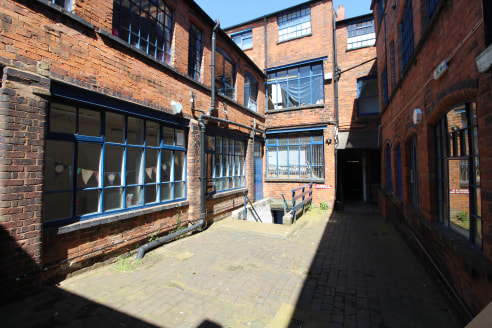 Basement Storage in the Jewellery Quarter - Total GIA - 485 ft2 (45.05...