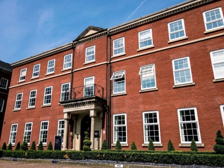 Bartle House, provides exemplary serviced office space in a professional tranquil location. Bartle House is centrally located within the heart of Manchester's legal and financial district.   With the perfect balance of tranquil surroundings and close...