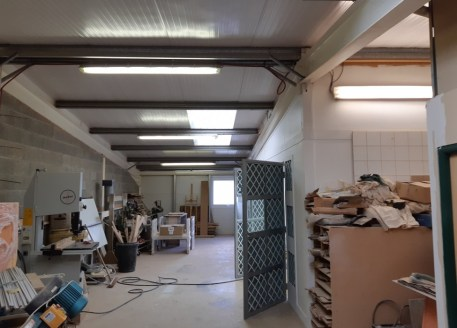 Modern industrial unit in established business location. Suitable for trade counter operators. Workshop and assembly area to the ground floor with teapoint and w.c. 5.4m eaves height. Good quality mezzanine providing further workshop accommodation, o...