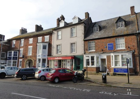 14 Market Place, Brackley is a available as a investment/development opportunity. The property is centrally located in the busy market town of Brackley, which is an expanding town with a population of over 14,500 and a further 2,750 housed planned ov...