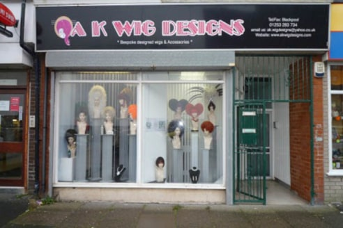 Wig maker and retailer business trading since May 2008 making and selling a range of wigs bespoke and off peg for both the entertainment and medical sector. Located in all year round trading location of North Shore.\n\nGround Floor: Main Shop (approx...