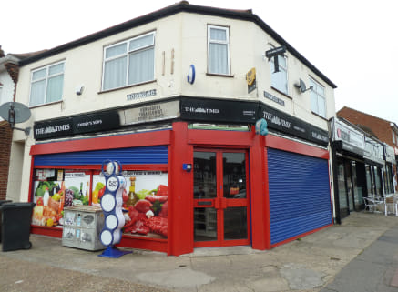 The property comprises of a corner lock up shop which with the benefit of A5 (Takeaway) use. The property has a GIA of approx 561 sqft (52.08 sqm), suspended ceiling, Air Conditioning, Alarm, CCTV and forecourt parking. The property is offered to let...