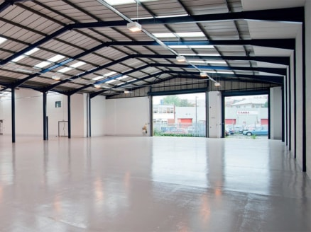 "<p class=""p1"">A popular trading estate located in a prominent position fronting Junction 18 of the M5 motorway, with excellent access to all areas of the South West and South Wales via M49 motorway.</p>  <p class=""p1"">Bristol City Centre is located a..."