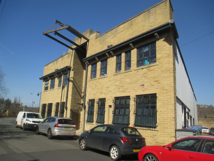 Modern high quality office suite situated on Ashley Lane, on the periphery of Shipley town centre. The premises benefit from access raised floors, intercom entry system, a lift and two car parking spaces....