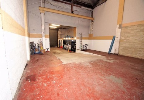 The unit is a industrial unit offering suitable and affordable accommodation for many businesses.\n\nACCOMMODATION\n\nThe property is part of a mixed use complex with and provides the following accomodation:-\n\nWork shop 196.36 m2 2113 sq ft\nOffice...