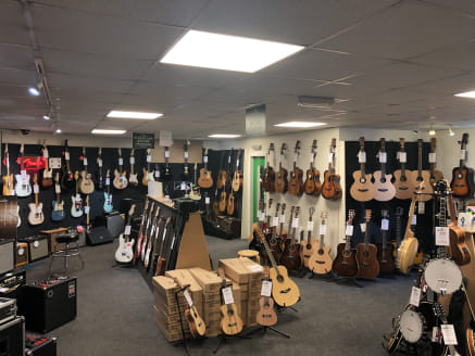 **1/3 Rates discount may be applicable on retail premises as of April 2019, subject to qualification**  The property briefly comprises of a retail unit with A3 use previously occupied by Guitarzone situated adjacent to Ricci's Place restaurant and Pu...