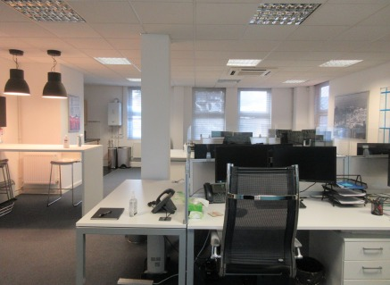 High quality self contained first floor office suite with car parking