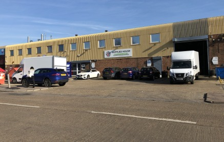 High bay warehouse building forming part of a terrace of four units with a good size forecourt and loading area benefiting from the following amenities.