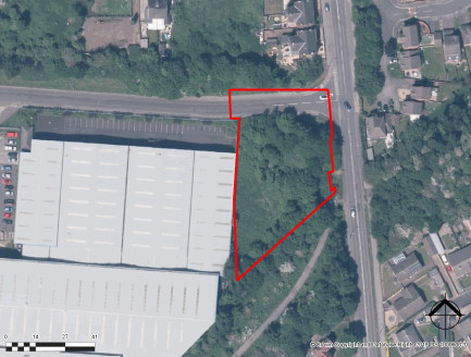 The property comprises an irregular shaped area of land extending to approximately 0.76 acres (3,095 sq m). The land has the benefit of being in a corner position with frontage onto Highgate Lane and Commercial Road and would be suitable for a variet...