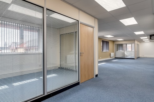 St Georges Square was constructed in 1989 and provides a number of modern and well presented purpose built office units.  Croft House comprises a substantial modern, 3 storey office building of traditional cavity brick construction providing offices...