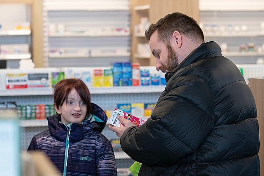 pharmacy-child-medication@1x