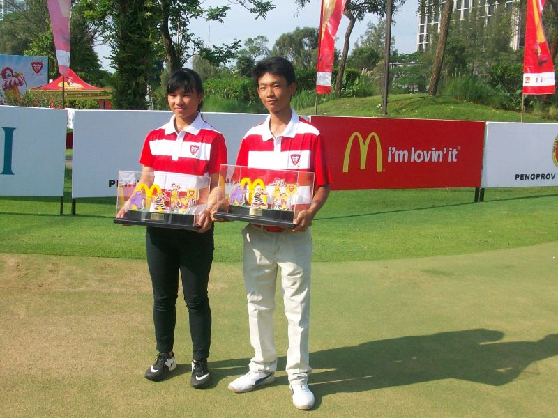 Randy & Patricia Raih Skor Terbaik pada 6th McDonald's Junior Golf Championship