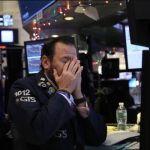 Dow Jones Jatuh Melebihi 500 Poin
