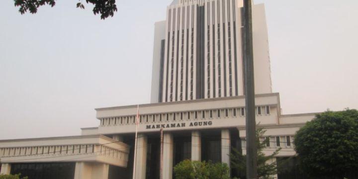 MA Batalkan Ketentuan Pengangkatan Notaris dalam Permenkumham No. 25/2017