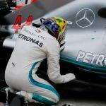 Lewis Hamilton Bawa Mercedes Juara 5 Kali Berturut-turut