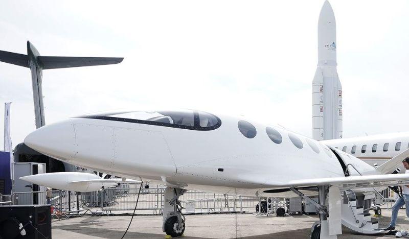 Pesawat Elektrik Siap Tinggal Landas