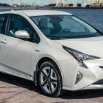 Toyota Tarik 2,43 Juta Mobil Hibridanya