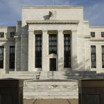 Bank Sentral AS Beri Isyarat Pertahankan Suku Bunga
